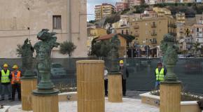 Collocate le sculture di Wyatt a Porto Empedocle