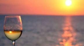 'Sicilia in bolle, un brindisi alla Sicilia' con vista sulla Scala dei Turchi