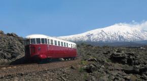 Sicilia, Ferrovia Circumetnea inaugura i nuovi treni Vulcano