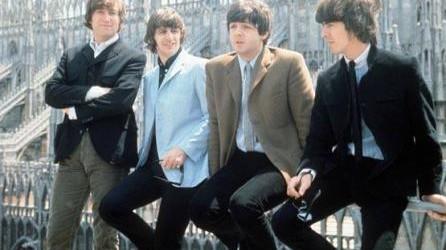 """""""Chiedi chi erano i Beatles"""": """"4ever"""" di Eleonora Bragotti risponde"""