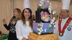 """Cake Design: è Arianna Alderuccio la """"regina"""" del MandorlaFest 2016"""