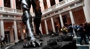 """Arte, a Venezia il """"ritrovamento"""" di Damien Hirst"""