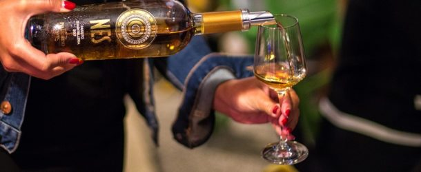Vino, cantine Pellegrino: nuova grafica per Nes Passito di Pantelleria